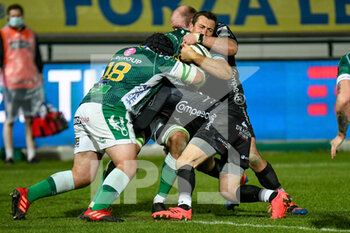 29/11/2020 - Alberto Sgarbi (Benetton Treviso) tackled by Ollie Griffiths (Dragons) and Rhodri Williams (Dragons) - BENETTON VS DRAGONS - GUINNESS PRO 14 - RUGBY