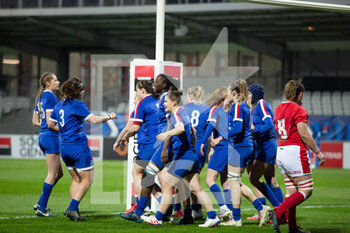 03/04/2021 - France players celebrate after the try of Caroline Boujard during the 2021 Women's Six Nations, rugby union match between France and Wales on April 3, 2021 at La Rabine stadium in Vannes, France - Photo Damien Kilani / DK Prod / DPPI - SEI NAZIONI FEMMINILE 2021 - FRANCIA VS GALLES - 6 NAZIONI - RUGBY