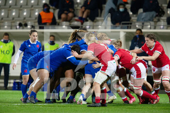 03/04/2021 - Maul for France during the 2021 Women's Six Nations, rugby union match between France and Wales on April 3, 2021 at La Rabine stadium in Vannes, France - Photo Damien Kilani / DK Prod / DPPI - SEI NAZIONI FEMMINILE 2021 - FRANCIA VS GALLES - 6 NAZIONI - RUGBY