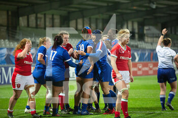 03/04/2021 - France players celebrate after a try during the 2021 Women's Six Nations, rugby union match between France and Wales on April 3, 2021 at La Rabine stadium in Vannes, France - Photo Damien Kilani / DK Prod / DPPI - SEI NAZIONI FEMMINILE 2021 - FRANCIA VS GALLES - 6 NAZIONI - RUGBY