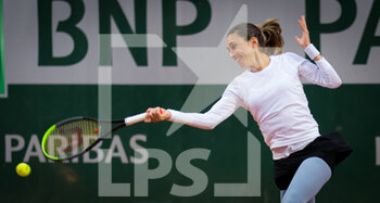 03/10/2020 - Petra Martic of Croatia in action against Laura Siegemund of Germany during the third round at the Roland Garros 2020, Grand Slam tennis tournament, on October 3, 2020 at Roland Garros stadium in Paris, France - Photo Rob Prange / Spain DPPI / DPPI - ROLAND GARROS 2020, GRAND SLAM TOURNAMENT - INTERNAZIONALI - TENNIS