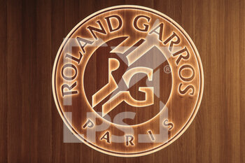 05/10/2020 - Roland Garros logotype cuts out of the wood en lightened illustration during the Roland Garros 2020, Grand Slam tennis tournament, on October 5, 2020 at Roland Garros stadium in Paris, France - Photo Stephane Allaman / DPPI - ROLAND GARROS 2020, GRAND SLAM TOURNAMENT - INTERNAZIONALI - TENNIS
