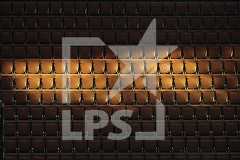 05/10/2020 - Spectator seats illuminated by a ray of sunlight penetrating through the side rooftop openings of Philippe Chatrier stadium during the Roland Garros 2020, Grand Slam tennis tournament, on October 5, 2020 at Roland Garros stadium in Paris, France - Photo Stephane Allaman / DPPI - ROLAND GARROS 2020, GRAND SLAM TOURNAMENT - INTERNAZIONALI - TENNIS