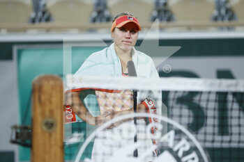 05/10/2020 - Sofia KENIN (USA) sheds tears while interview of Marion Bartoli after winned the match during the Roland Garros 2020, Grand Slam tennis tournament, on October 5, 2020 at Roland Garros stadium in Paris, France - Photo Stephane Allaman / DPPI - ROLAND GARROS 2020, GRAND SLAM TOURNAMENT - INTERNAZIONALI - TENNIS