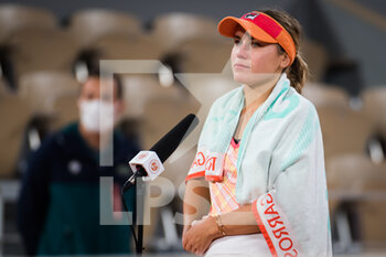 05/10/2020 - Sofia Kenin of the United States celebrates after winning against Fiona Ferro of France during the fourth round at the Roland Garros 2020, Grand Slam tennis tournament, on October 5, 2020 at Roland Garros stadium in Paris, France - Photo Rob Prange / Spain DPPI / DPPI - ROLAND GARROS 2020, GRAND SLAM TOURNAMENT - INTERNAZIONALI - TENNIS