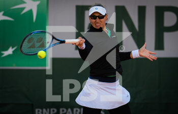 07/10/2020 - Nicole Melichar of the United States in action during the doubles quarter-final at the Roland Garros 2020, Grand Slam tennis tournament, on October 7, 2020 at Roland Garros stadium in Paris, France - Photo Rob Prange / Spain DPPI / DPPI - QUARTER-FINAL OF THE ROLAND GARROS 2020, GRAND SLAM - INTERNAZIONALI - TENNIS