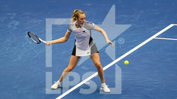 22/10/2020 - Elise Mertens of Belgium in action against Karolina Muchova of the Czech Republic during the second round at the 2020 J&T Banka Ostrava Open WTA Premier tennis tournament on October 22, 2020 in Ostrava, Czech Republic - Photo Rob Prange / Spain DPPI / DPPI - SECOND ROUND OF 2020 J&T BANKA OSTRAVA OPEN WTA PREMIER - THURSDAY - INTERNAZIONALI - TENNIS
