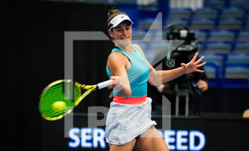 22/10/2020 - Jennifer Brady of the United States in action against Daria Kasatkina of Russia during the second round at the 2020 J&T Banka Ostrava Open WTA Premier tennis tournament on October 22, 2020 in Ostrava, Czech Republic - Photo Rob Prange / Spain DPPI / DPPI - SECOND ROUND OF 2020 J&T BANKA OSTRAVA OPEN WTA PREMIER - THURSDAY - INTERNAZIONALI - TENNIS
