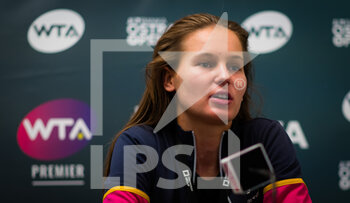 22/10/2020 - Veronika Kudermetova of Russia talks to the media after reaching the quarter-final at the 2020 J&T Banka Ostrava Open WTA Premier tennis tournament on October 22, 2020 in Ostrava, Czech Republic - Photo Rob Prange / Spain DPPI / DPPI - SECOND ROUND OF 2020 J&T BANKA OSTRAVA OPEN WTA PREMIER - THURSDAY - INTERNAZIONALI - TENNIS