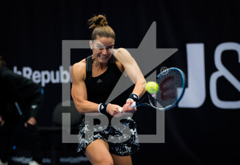 24/10/2020 - Maria Sakkari of Greece in action against Victoria Azarenka of Belarus during the semi-final at the 2020 J&T Banka Ostrava Open WTA Premier tennis tournament on October 24, 2020 in Ostrava, Czech Republic - Photo Rob Prange / Spain DPPI / DPPI - SEMI-FINAL 2020 J&T BANKA OSTRAVA OPEN WTA PREMIER - SATURDAY - INTERNAZIONALI - TENNIS