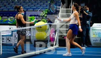 24/10/2020 - Maria Sakkari of Greece and Victoria Azarenka of Belarus in action during the semi-final at the 2020 J&T Banka Ostrava Open WTA Premier tennis tournament on October 24, 2020 in Ostrava, Czech Republic - Photo Rob Prange / Spain DPPI / DPPI - SEMI-FINAL 2020 J&T BANKA OSTRAVA OPEN WTA PREMIER - SATURDAY - INTERNAZIONALI - TENNIS
