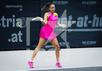 08/11/2020 - Lesley Pattinama Kerkhove of the Netherlands in action against Stefanie Voegele of Switzerland during the second qualifications round at 2020 Upper Austria Ladies Linz WTA International tennis tournament on November 8, 2020 at TipsArena Linz in Linz, Austria - Photo Rob Prange / Spain DPPI / DPPI - 2020 UPPER AUSTRIA LADIES LINZ WTA INTERNATIONAL TOURNAMENT - SUNDAY - INTERNAZIONALI - TENNIS