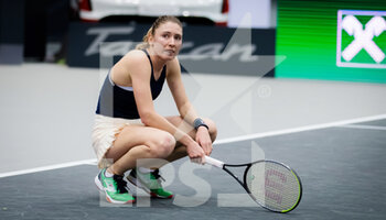 14/11/2020 - Ekaterina Alexandrova of Russia in action against Elise Mertens of Belgium during the semi-final of the 2020 Upper Austria Ladies Linz WTA International tennis tournament on November 14, 2020 at TipsArena Linz in Linz, Austria - Photo Rob Prange / Spain DPPI / DPPI - 2020 UPPER AUSTRIA LADIES LINZ WTA INTERNATIONAL TOURNAMENT - SATURDAY - INTERNAZIONALI - TENNIS