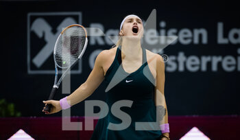 14/11/2020 - Aryna Sabalenka of Belarus in action against Barbora Krejcikova of the Czech Republic during the semi-final of the 2020 Upper Austria Ladies Linz WTA International tennis tournament on November 14, 2020 at TipsArena Linz in Linz, Austria - Photo Rob Prange / Spain DPPI / DPPI - 2020 UPPER AUSTRIA LADIES LINZ WTA INTERNATIONAL TOURNAMENT - SATURDAY - INTERNAZIONALI - TENNIS