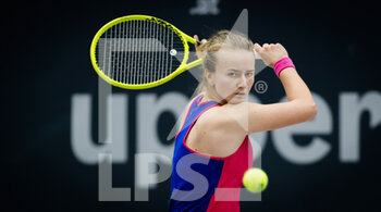 14/11/2020 - Barbora Krejcikova of the Czech Republic in action against Aryna Sabalenka of Belarus during the semi-final of the 2020 Upper Austria Ladies Linz WTA International tennis tournament on November 14, 2020 at TipsArena Linz in Linz, Austria - Photo Rob Prange / Spain DPPI / DPPI - 2020 UPPER AUSTRIA LADIES LINZ WTA INTERNATIONAL TOURNAMENT - SATURDAY - INTERNAZIONALI - TENNIS