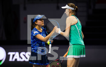 15/03/2021 - Renata Voracova of the Czech Republic and Makoto Ninomiya of Japan playing doubles at the 2021 St Petersburg Ladies Trophy, WTA 500 tennis tournament on March 15, 2021 at the Sibur Arena in St Petersburg, Russia - Photo Rob Prange / Spain DPPI / DPPI - 2021 ST PETERSBURG LADIES TROPHY, WTA 500 TENNIS TOURNAMENT - INTERNAZIONALI - TENNIS