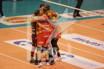 08/12/2019 - esultanza Tonno Callippo Vibo Valentia - TOP VOLLEY CISTERNA VS TONNO CALLIPO CALABRIA VIBO VALENTIA - SUPERLEGA SERIE A - VOLLEY