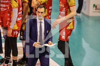08/12/2019 - coach Juan Manuel Cichello - TOP VOLLEY CISTERNA VS TONNO CALLIPO CALABRIA VIBO VALENTIA - SUPERLEGA SERIE A - VOLLEY