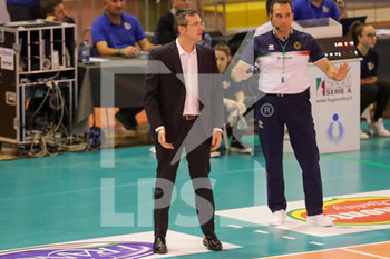 08/12/2019 - coach Lorenzo Tubertini - TOP VOLLEY CISTERNA VS TONNO CALLIPO CALABRIA VIBO VALENTIA - SUPERLEGA SERIE A - VOLLEY