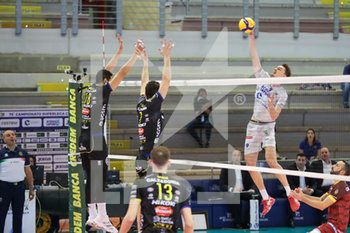 07/03/2020 - attacco Jean Patry Top Volley Cisterna - TOP VOLLEY LATINA VS CALZEDONIA VERONA - SUPERLEGA SERIE A - VOLLEY
