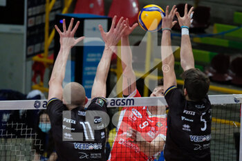 04/04/2021 - Attacco di Francesco Recine - Consar Ravenna - PLAYOFF 5O POSTO - NBV VERONA VS CONSAR RAVENNA - SUPERLEGA SERIE A - VOLLEY
