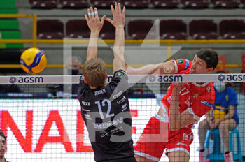 04/04/2021 - Attacco in diagonale di Brandon Koppers - Consar Ravenna - PLAYOFF 5O POSTO - NBV VERONA VS CONSAR RAVENNA - SUPERLEGA SERIE A - VOLLEY