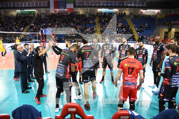 10/04/2019 - Ingresso in campo per Lube Civitanova - CUCINE LUBE CIVITANOVA (ITA) VS PGE SKRA BELCHATOW (POL) - CHAMPIONS LEAGUE MEN - VOLLEY