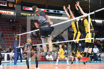 10/04/2019 - Tsvetan