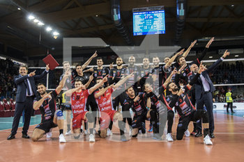 10/04/2019 - Foto di gruppo Lube fine partita - CUCINE LUBE CIVITANOVA (ITA) VS PGE SKRA BELCHATOW (POL) - CHAMPIONS LEAGUE MEN - VOLLEY